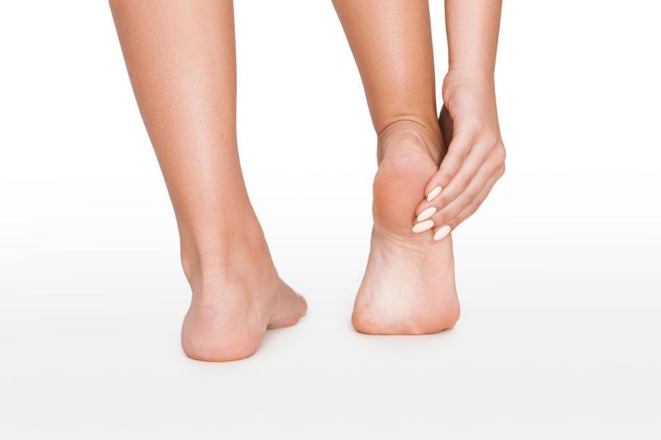 裏 足 外側 の 痛み