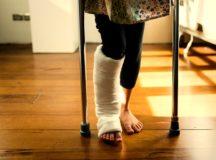 松葉杖歩行のやり方と注意点