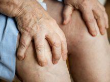変形性膝関節症とは:その治療法・進行予防について